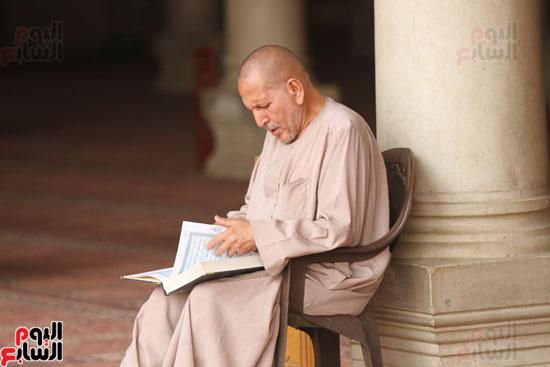 المعتكفون بمسجد عمرو بن العاص (1)