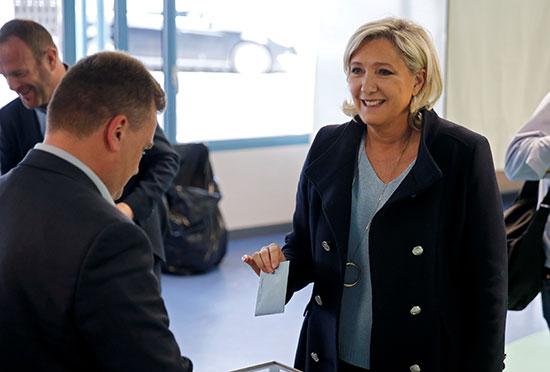 مارين لوبان تشارك فى انتخابات البرلمان الأوروبى