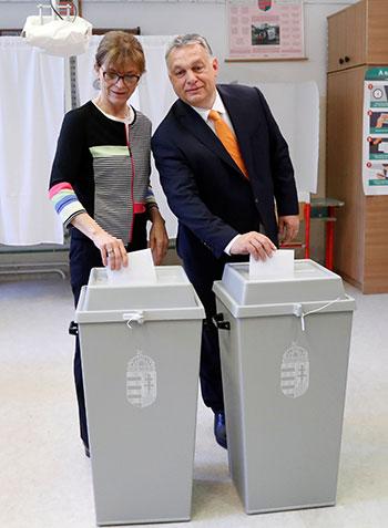 رئيس وزراء الدنمارك وزوجته