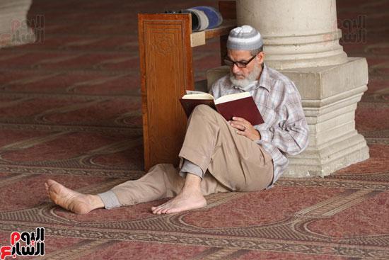 المعتكفون بمسجد عمرو بن العاص (8)