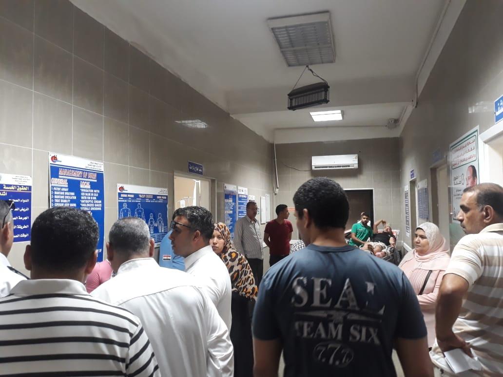 سقوط شرفة عقار وإصابة ثلاثة أشخاص شرق الاسكندرية  (1)