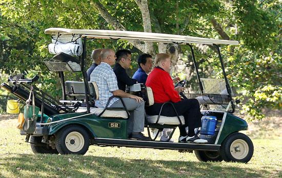 ترامب-ورئيس-وزراء-اليابان-يلعبان-الجولف-8