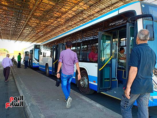 وسيلة-التنقل-داخل-مطار-القاهره-(2)