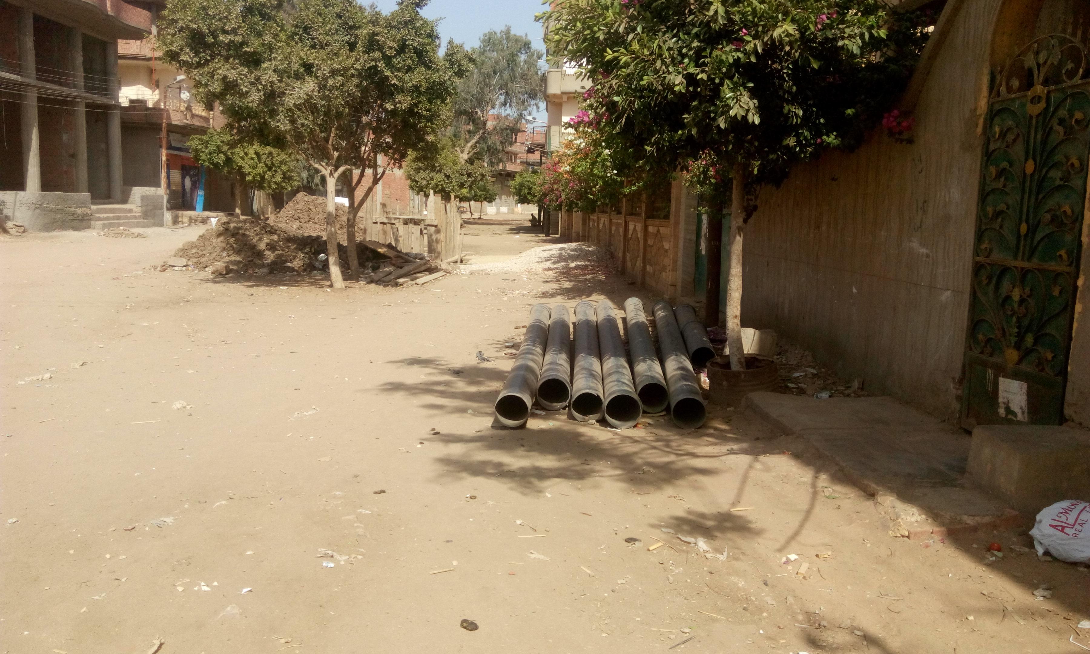 توقف العمل فى مشروع الصرف الصحى بقرية شبراملس فى الغربية (3)