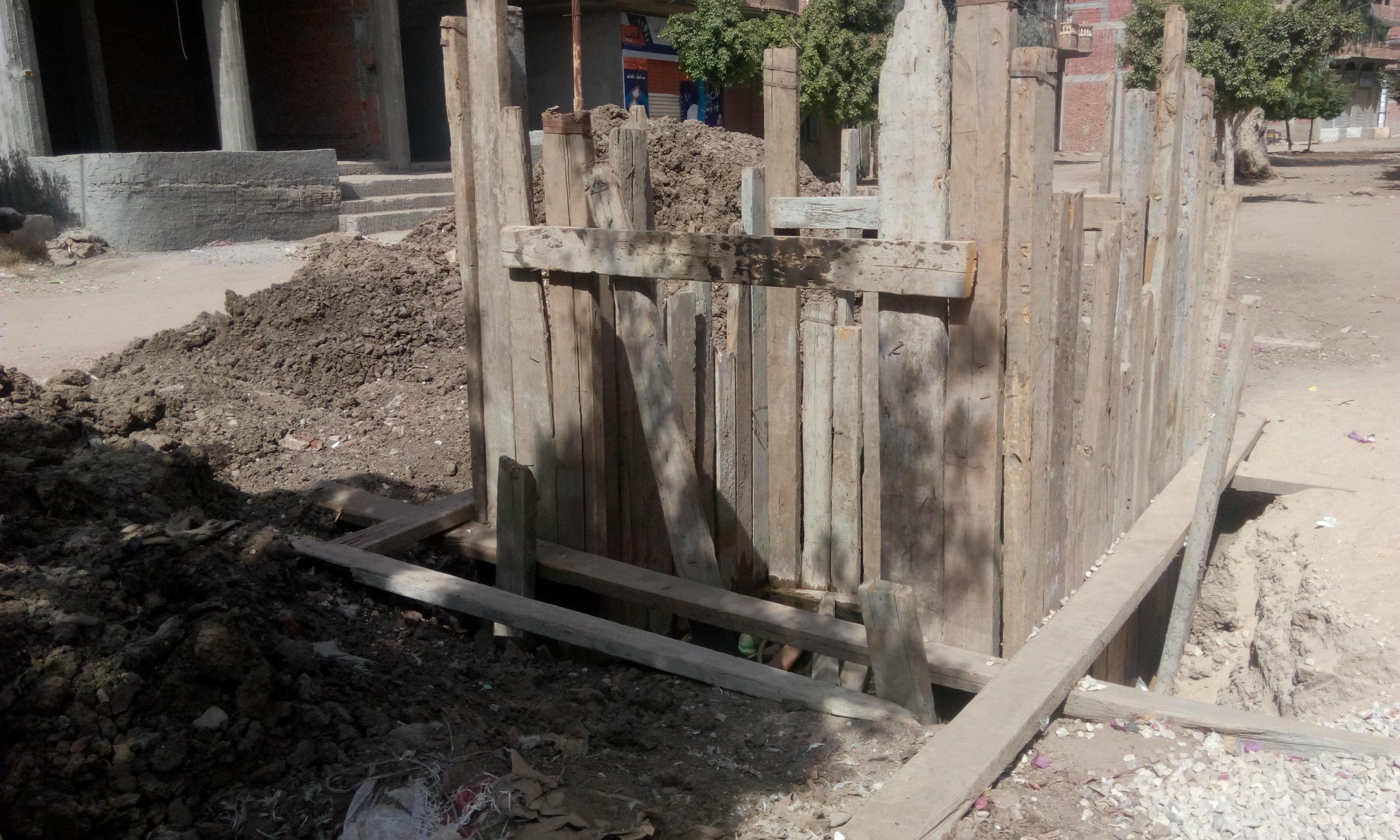 توقف العمل فى مشروع الصرف الصحى بقرية شبراملس فى الغربية (6)