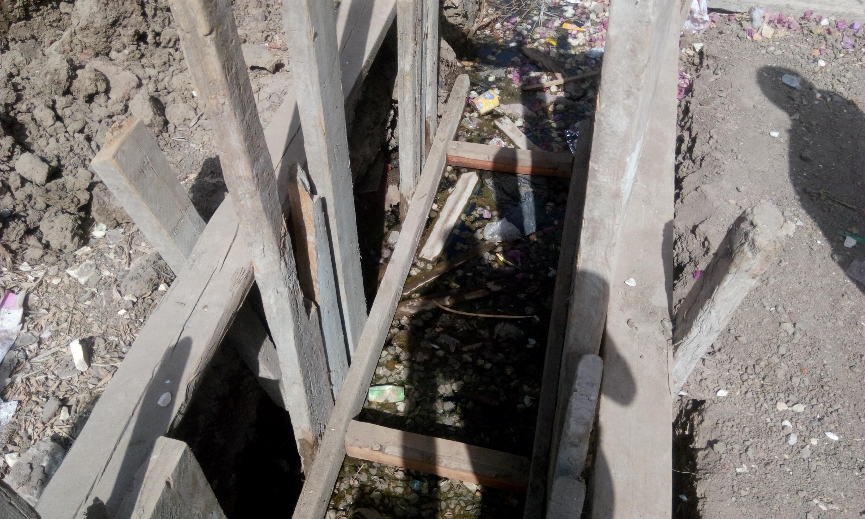 توقف العمل فى مشروع الصرف الصحى بقرية شبراملس فى الغربية (11)