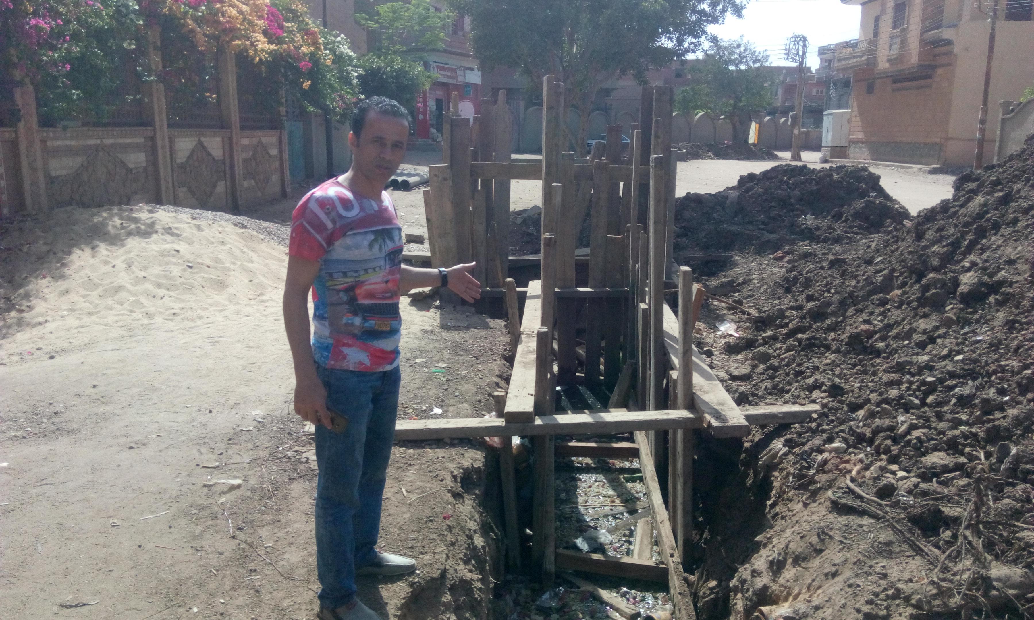 توقف العمل فى مشروع الصرف الصحى بقرية شبراملس فى الغربية (14)