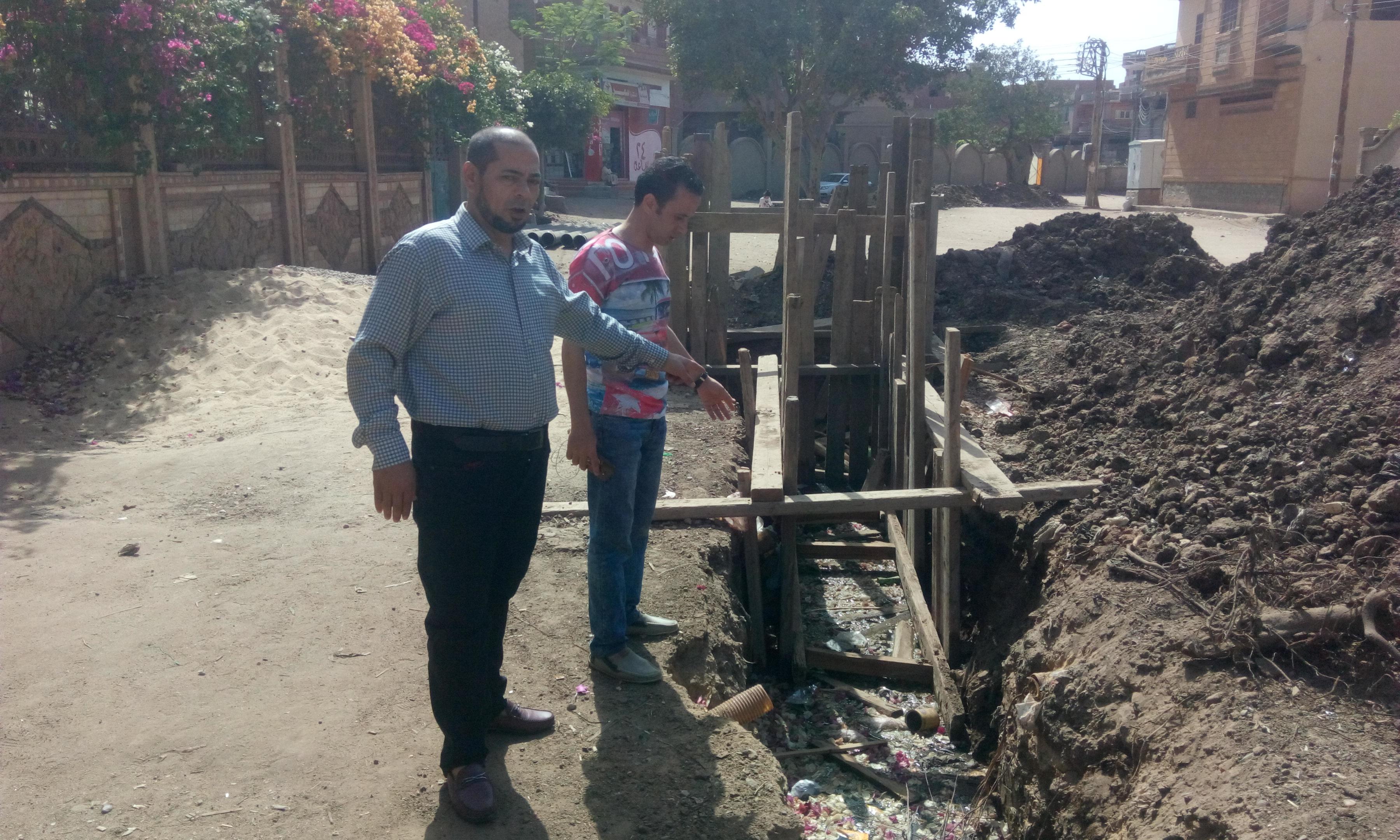 توقف العمل فى مشروع الصرف الصحى بقرية شبراملس فى الغربية (15)