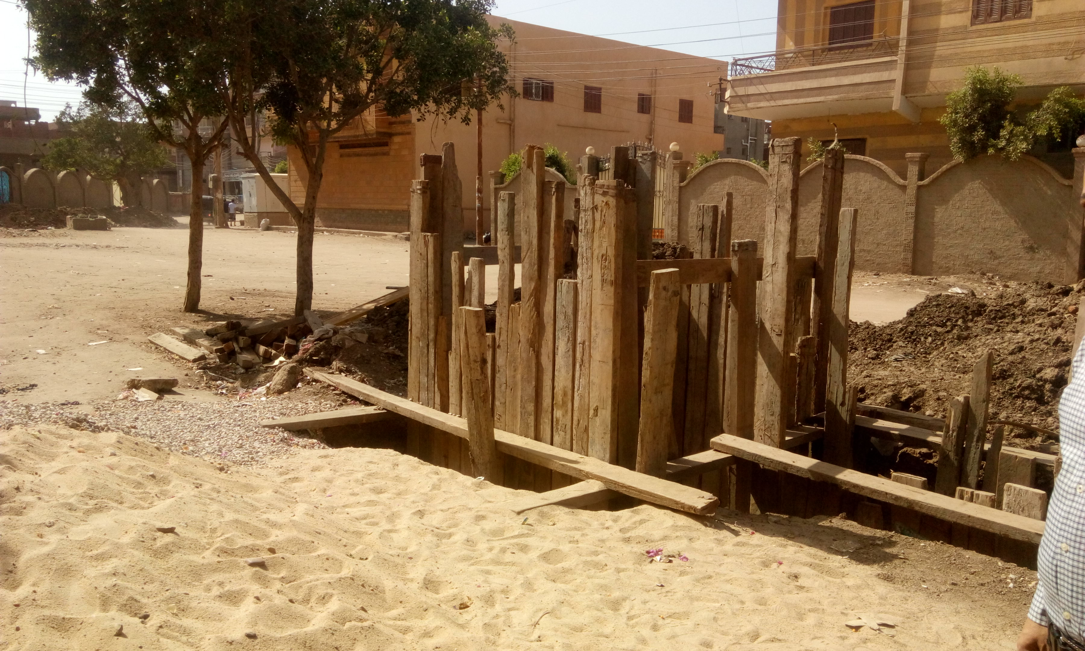 توقف العمل فى مشروع الصرف الصحى بقرية شبراملس فى الغربية (19)