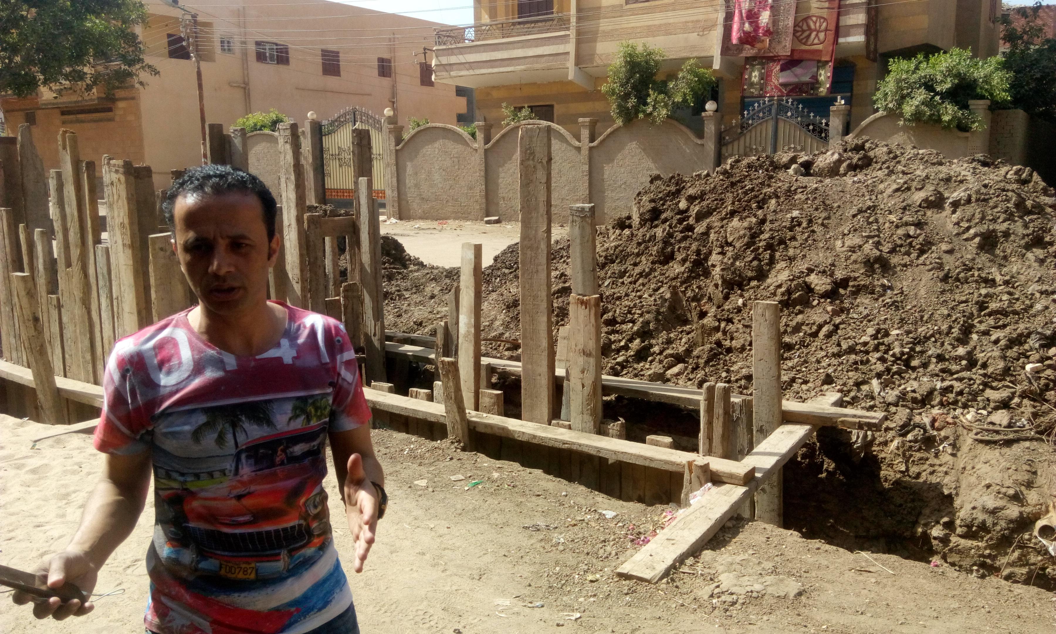 توقف العمل فى مشروع الصرف الصحى بقرية شبراملس فى الغربية (18)