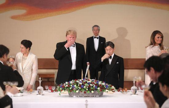 مأدبة عشاء رسمية بين الإمبراطور اليابانى ودونالد ترامب (1)