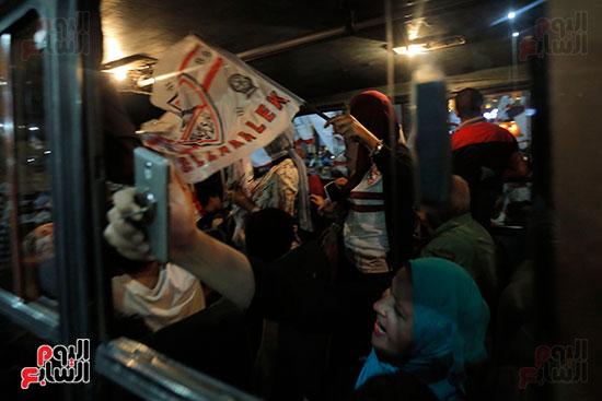 احتفالات جماهير الزمالك في شارع جامعة الدول العربية (30)