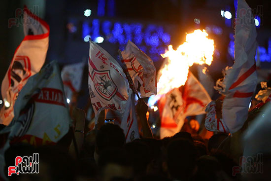 احتفالات جماهير الزمالك في شارع جامعة الدول العربية1 (19)