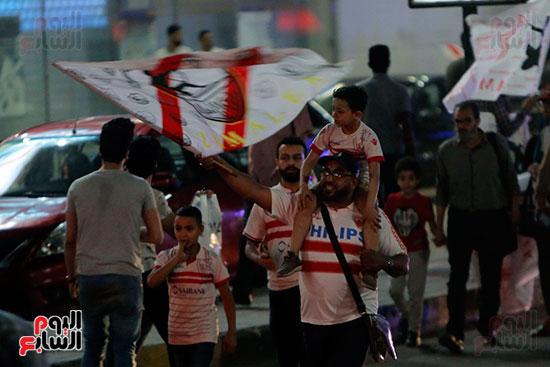 احتفالات جماهير الزمالك في شارع جامعة الدول العربية (1)