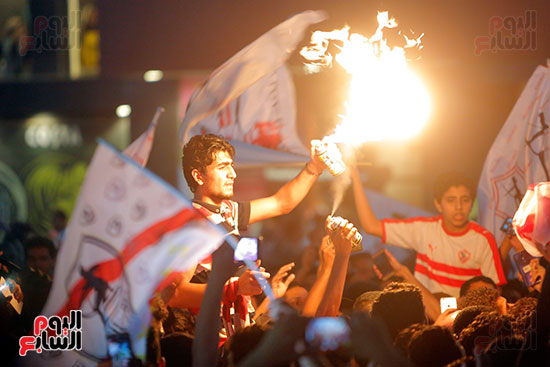 احتفالات جماهير الزمالك في شارع جامعة الدول العربية (28)