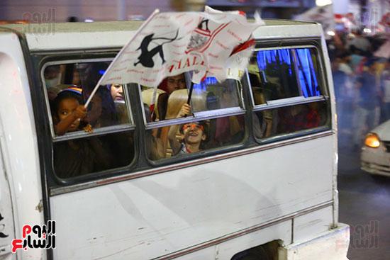 احتفالات جماهير الزمالك في شارع جامعة الدول العربية1 (9)