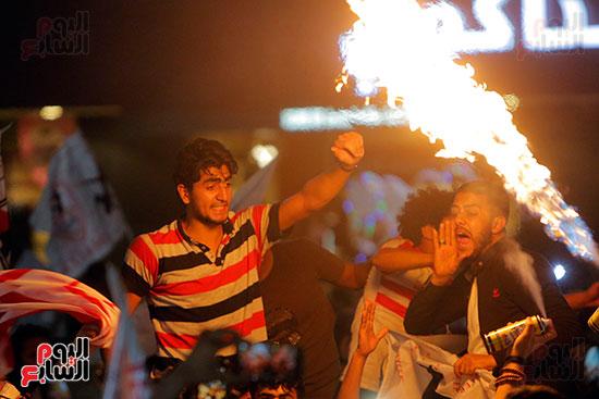 احتفالات جماهير الزمالك في شارع جامعة الدول العربية (25)
