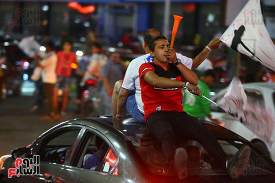 احتفالات جماهير الزمالك في شارع جامعة الدول العربية1 (11)