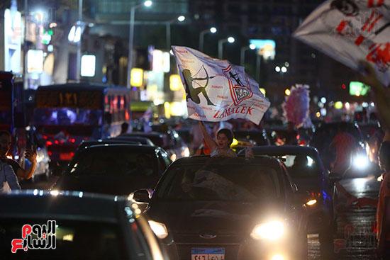 احتفالات جماهير الزمالك في شارع جامعة الدول العربية1 (8)
