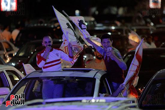 احتفالات جماهير الزمالك في شارع جامعة الدول العربية (5)