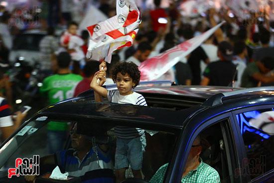 احتفالات جماهير الزمالك في شارع جامعة الدول العربية1 (31)