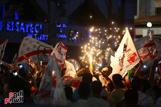 احتفالات جماهير الزمالك في شارع جامعة الدول العربية1 (7)