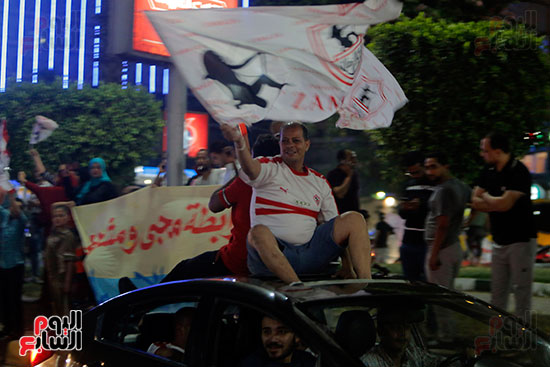 احتفالات جماهير الزمالك في شارع جامعة الدول العربية (3)