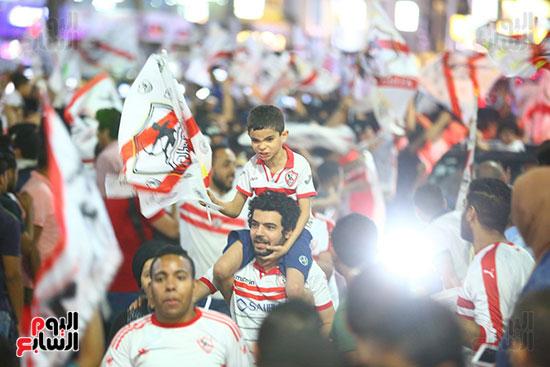 احتفالات جماهير الزمالك في شارع جامعة الدول العربية1 (29)