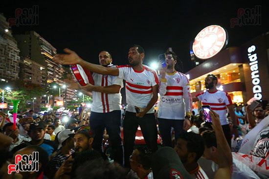 احتفالات جماهير الزمالك في شارع جامعة الدول العربية1 (4)