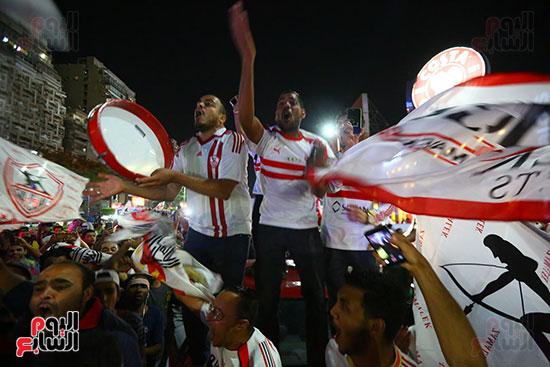 احتفالات جماهير الزمالك في شارع جامعة الدول العربية1 (3)