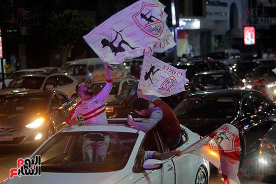 احتفالات جماهير الزمالك في شارع جامعة الدول العربية (6)