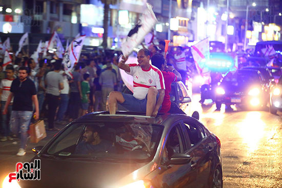 احتفالات جماهير الزمالك في شارع جامعة الدول العربية1 (10)