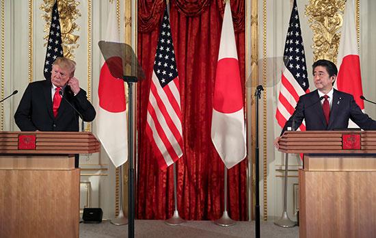 مؤتمر صحفى بين ترامب ورئيس وزراء اليابان