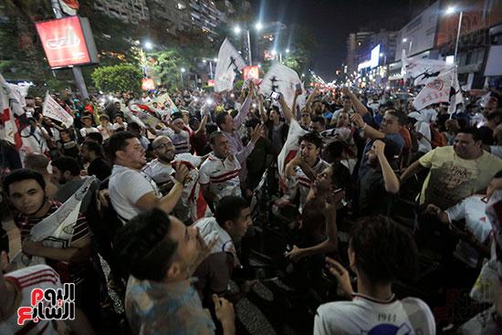 احتفالات جماهير الزمالك في شارع جامعة الدول العربية (15)