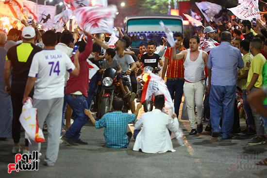 احتفالات جماهير الزمالك في شارع جامعة الدول العربية1 (20)