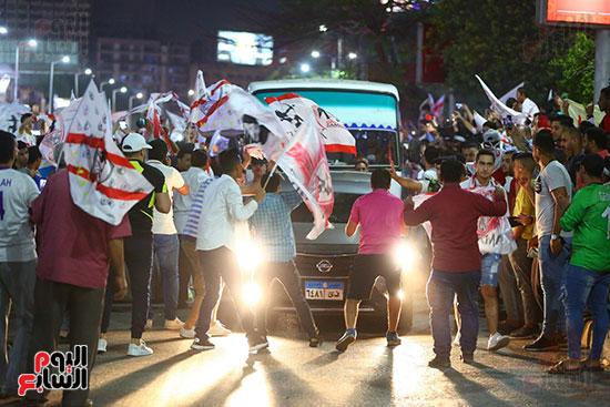 احتفالات جماهير الزمالك في شارع جامعة الدول العربية1 (22)
