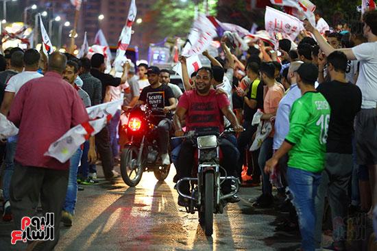 احتفالات جماهير الزمالك في شارع جامعة الدول العربية1 (23)