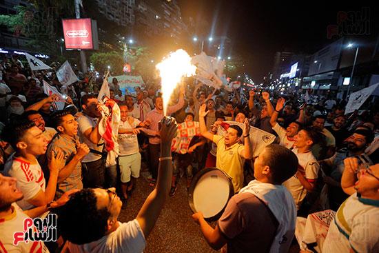 احتفالات جماهير الزمالك في شارع جامعة الدول العربية (17)