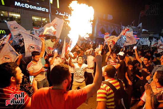 احتفالات جماهير الزمالك في شارع جامعة الدول العربية (11)