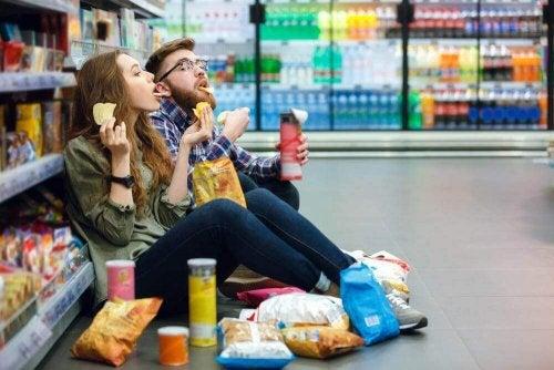 shopping-when-hungry-e1556549213503