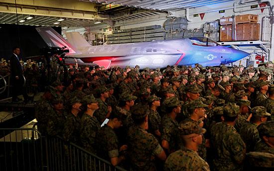 ترامب يزور أكبر سفينة حربية فى اليابان وعلى متنها مقاتلات اف 35