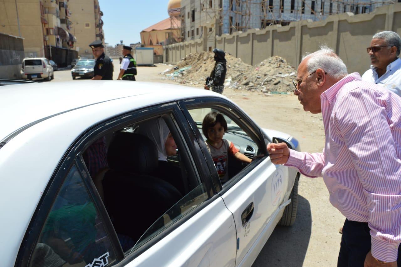 جولة  محافظ بورسعيد على قناة الاتصال (1)