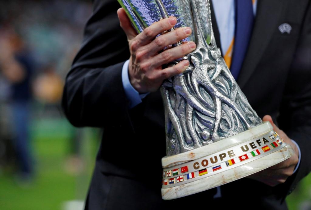 تشيلسي يتوج بلقب الدوري الأوروبي (15)