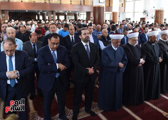 مدبولى يصلى الجمعة مع نظيره اللبنانى بأحد مساجد بيروت (2)