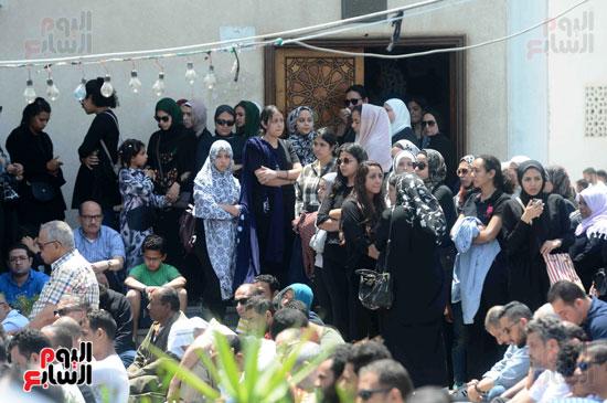 جنازة نورا كمال (1)
