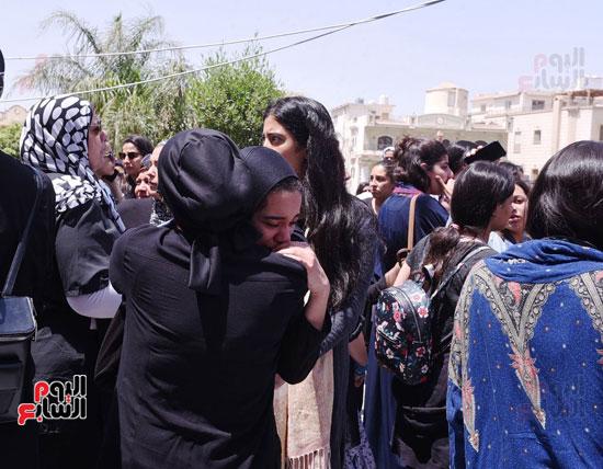 جنازة نوراا كامل (7)