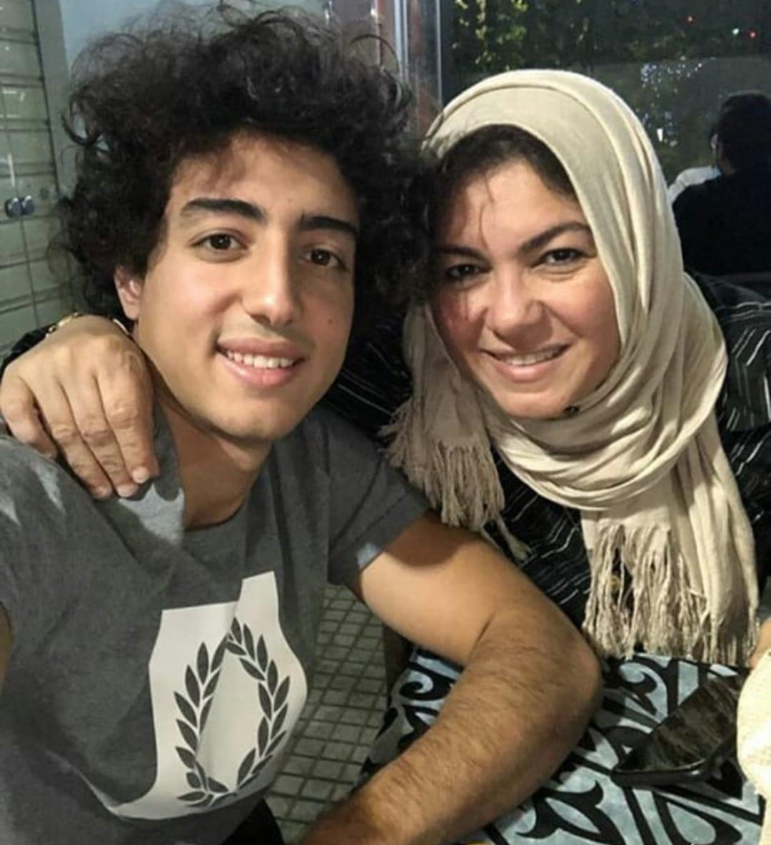 محمد هانى ووالدته