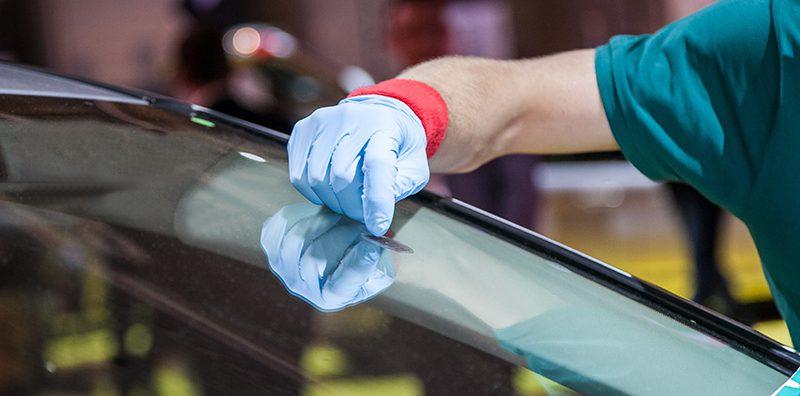 نصائح للتخلص من خدوش زجاج السيارة (2)