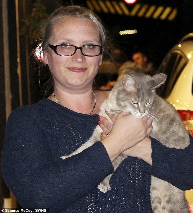 عملية إنقاذ قطة يتكلف 5 ألاف إسترلينى..صور  (2)