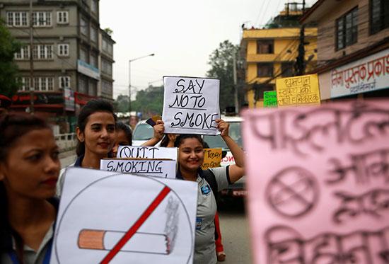 فتيات-تشاركن-فى-حملة-مكافحة-التدخين